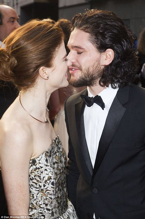 actor game thrones game of thornes stars kit harington and rose leslie are