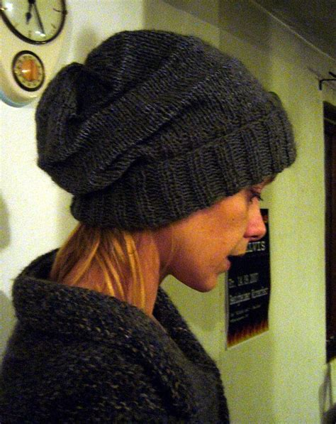simple toque knitting pattern 26 best images about beanies slouchy toques on