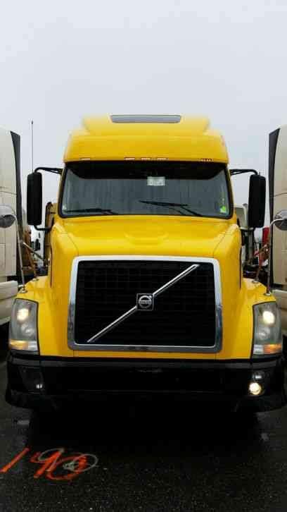 2011 volvo semi truck volvo 670 2011 sleeper semi trucks