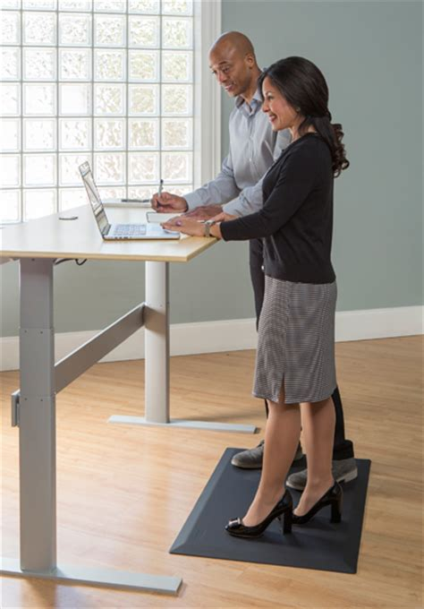 mat for standing desk cumuluspro anti fatigue mat for standing desks
