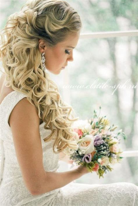 Wedding Hairstyles Curly Hair Half Up Half by 23 Stunning Half Up Half Wedding Hairstyles For 2016