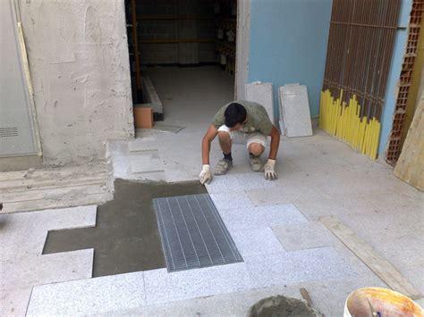 posa pavimenti esterni foto posa pavimenti esterni in marmo di e c costruzioni