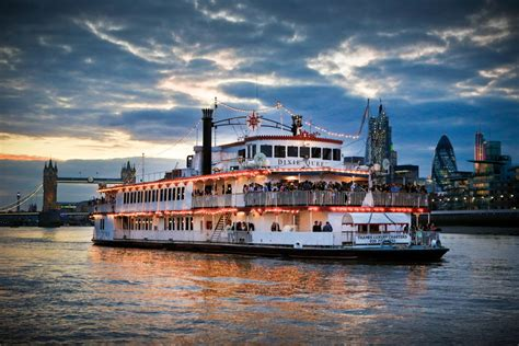 thames river cruise new years eve reviews new year s eve 2016 dixie queen on the river thames