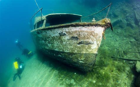boat underwater drawing boat underwater ocean diver wallpaper 1920x1200 72705