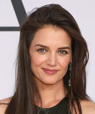 katie holmes revisits her lob layered haircuts and hairstyles instyle com