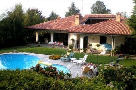 ville con giardino foto appartamento in prestigiosa villa con piscina disponibile