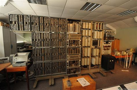 breaking  nazis enigma codes  bletchley park