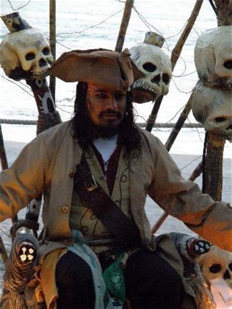 barco pirata jack sparrow capt jack sparrow picture of captain hook barco pirata
