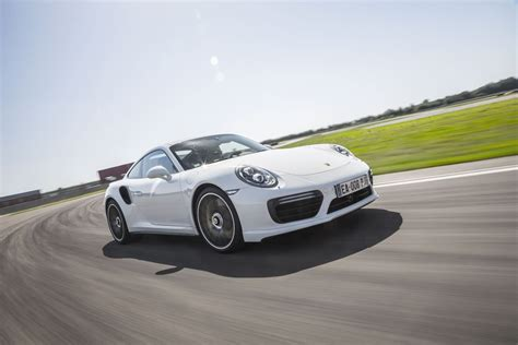 Porsche Turbo Vs Turbo S by Porsche 911 Gt3 Rs Vs 911 Turbo S 2016 Le Choc En 50