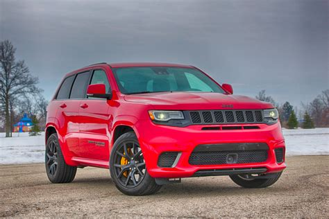 trackhawk jeep 2018 jeep grand trackhawk fast loud and