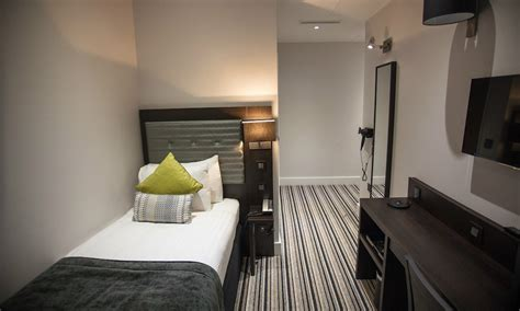 the w14 hotel kensington single room