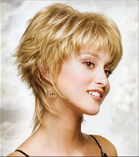 pictures pf women with short hair shag hairstyle in the1970s short layered shaggy haircuts