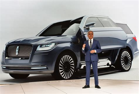 New Lincoln Concept by Lincoln Navigator Concept Brings Future Bling To Ny