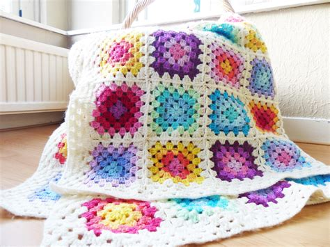 crochet granny square free crochet pattern colourful rainbow square
