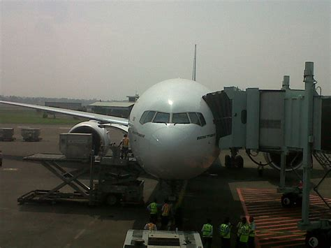 Wifi Garuda Indonesia wifi di pesawat garuda tak boleh digunakan saat take