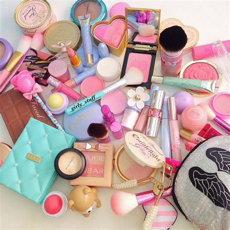 Products To Make You Feel Girly by 742 Best Images About Pretty Girly Make Up Perfume