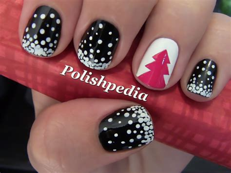easy nail art for xmas christmas nails polishpedia nail art nail guide