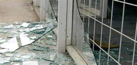 Glass Door Broken Lake Worth And Your Glass Door Repair Just One Broken Pane