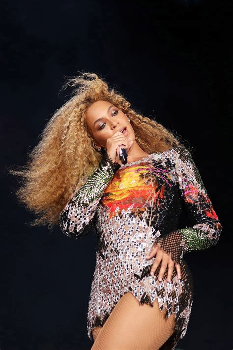 beyonc233 fans really really want her to be pregnant