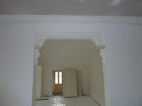 cornici gesso per pareti archi in gesso per interni pareti divisorie realizzare