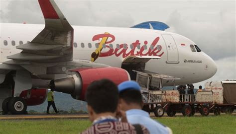 batik air emergency authorities examine passenger goods related to bomb threat