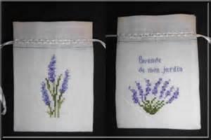 de la lavande en jolis sachets les petites croix d erna