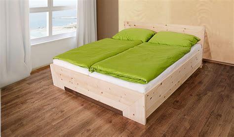 bett aus zirbenholz fichten und zirbenholz wirkt vor allem auch zuhause