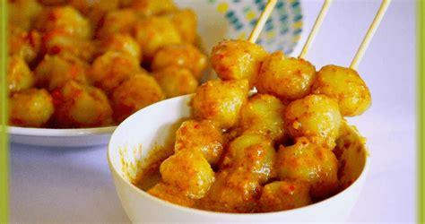 membuat cilok dengan tepung tapioka 20 makanan khas sunda yang menggoyang lidah dan bikin kangen