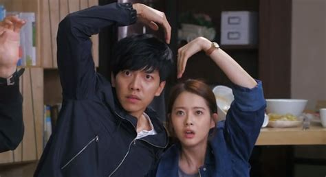 You Re All Surrounded bajo la misma nube rese 241 a opini 243 n you re all