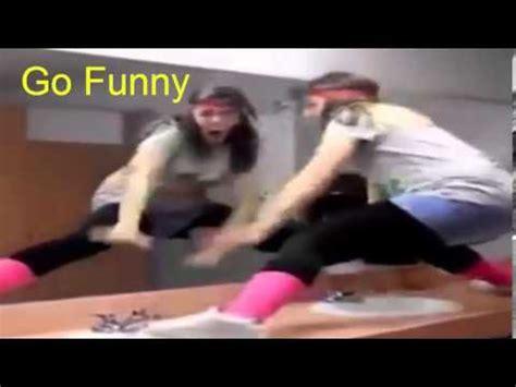 girl twerking in bathroom girls teach how to twerk fail youtube