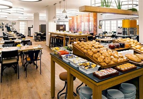 hotels with free breakfast buffet 1000 ideas about hotel breakfast on breakfast