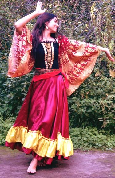 gypsy roma cultural fashion hair romanies gypsies and romany gypsy traditions dancing