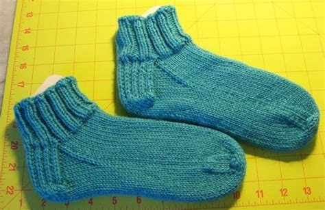 easy knit socks for beginners easy knitted sock pattern for beginners with link to