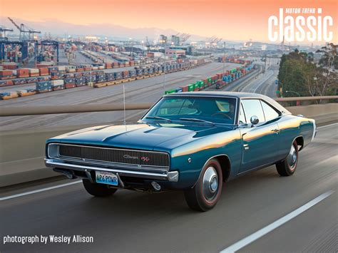 1968 dodge charger hemi 1968 dodge charger rt 426 hemi front three quarter in