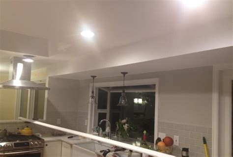 should ceilings be white soffit paint to match walls or ceiling
