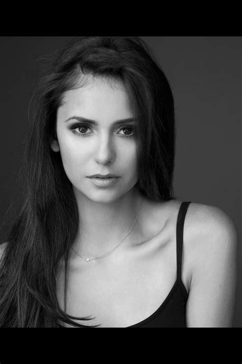 Nina Dobrev is just so gorgeous | Nina Dobrev | Célébrités