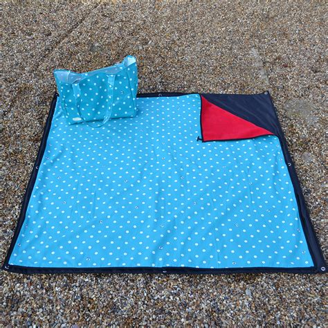 rug blanket rag waterproof picnic blanket rug bag review housekeeping institute