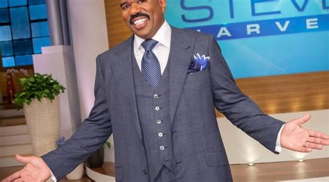 steve harvey chicago jump off steve harvey allegedly laying off entire chicago crew
