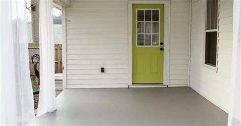 screened porch makeover rough concrete floor chippasunshine how to repaint a concrete porch