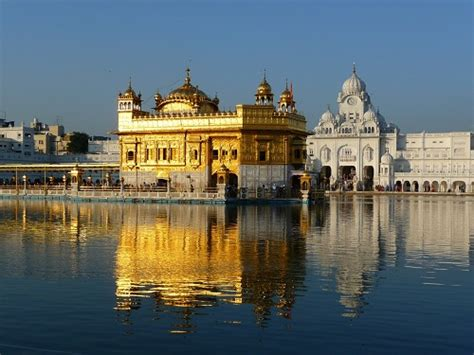 top 20 most beautiful temples in india top 20 historical places monuments in india
