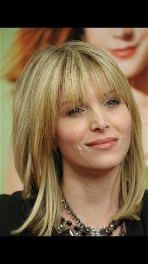 cute shoulder length hairstyles for middle aged women 42 b 228 sta bilderna om frisyrtips p 229 pinterest bobs