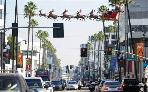 beverly hills christmas lights take a look of the 23 christmas decorations around the