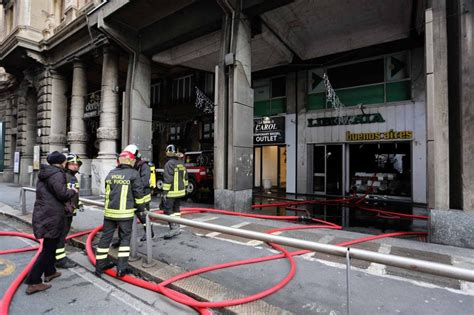 libreria corso genova incendio distrugge la libreria di corso buenos