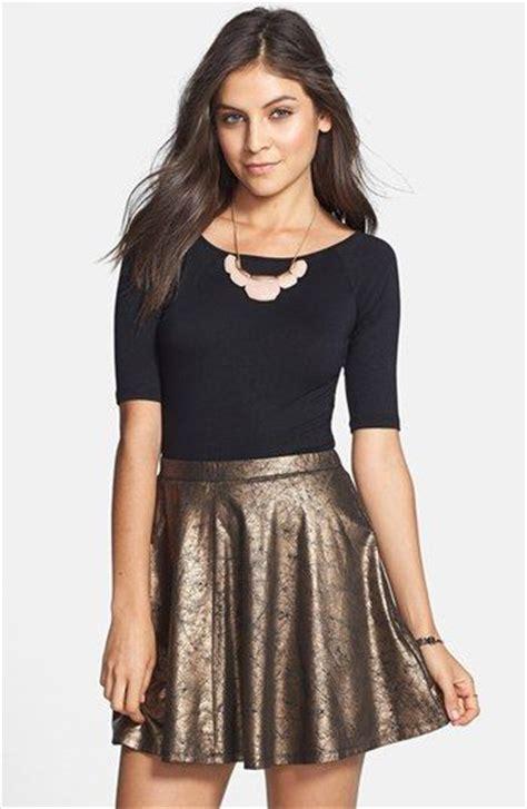 25848 Cross Style Denim Skirt Rok Flare Denim Biru how to wear skater skirt with stylish winter accessories
