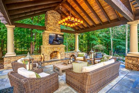 20 Outdoor Living Room Designs Decorating Ideas Design Backyard Living Room Ideas