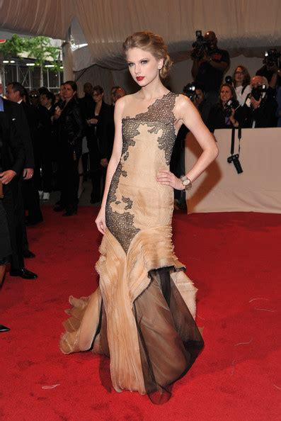 taylor swift evening dress taylor swift gorgeous evening party dress