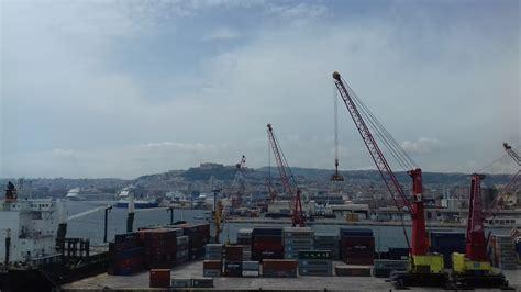 terminal porto napoli 171 terminal container con questa gestione il porto rischia