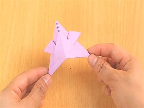 10 Step Origami - how to make an origami samurai helmet 10 steps with