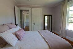 ben moore violet pearl modern master bedroom paint benjamin moore angelica bedroom found on sohappyhome com