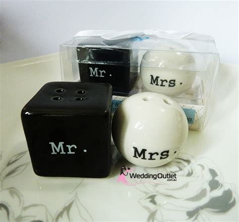 wedding salt and pepper shakers mr and mrs salt and pepper shakers wedding favors